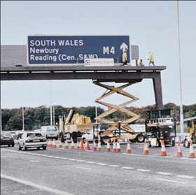 Ashby Road Traffic - Motorway Sign (1)